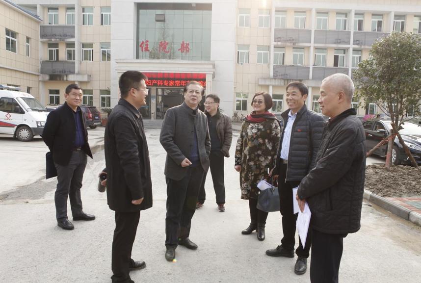 仙桃市卫计委主任刘少军一行参观指导剅河镇卫生院基础建设 4.png